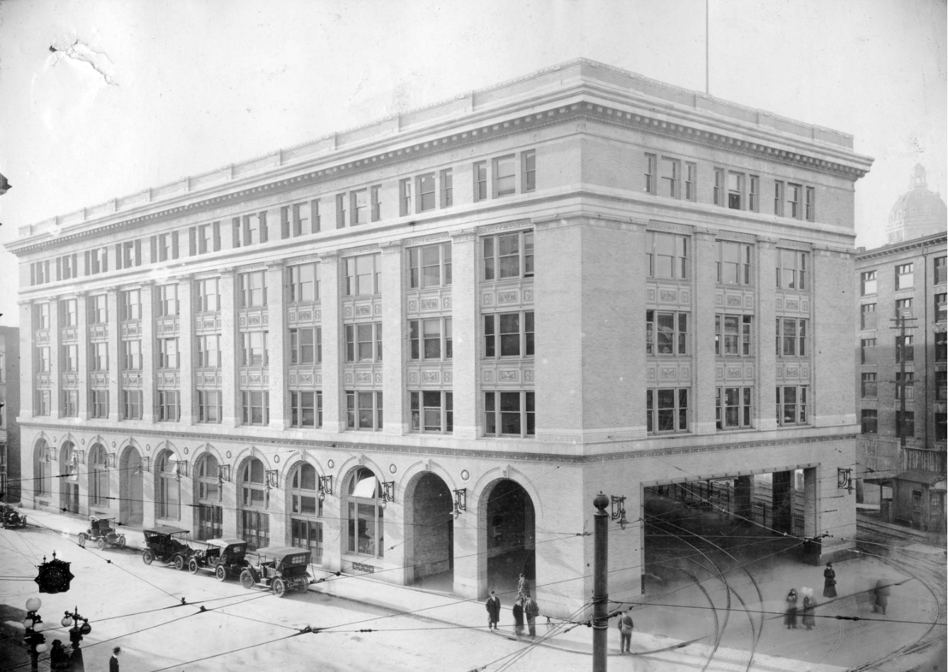 BCER terminal at Hastings and Carrall in 1912. CVA M-14-71