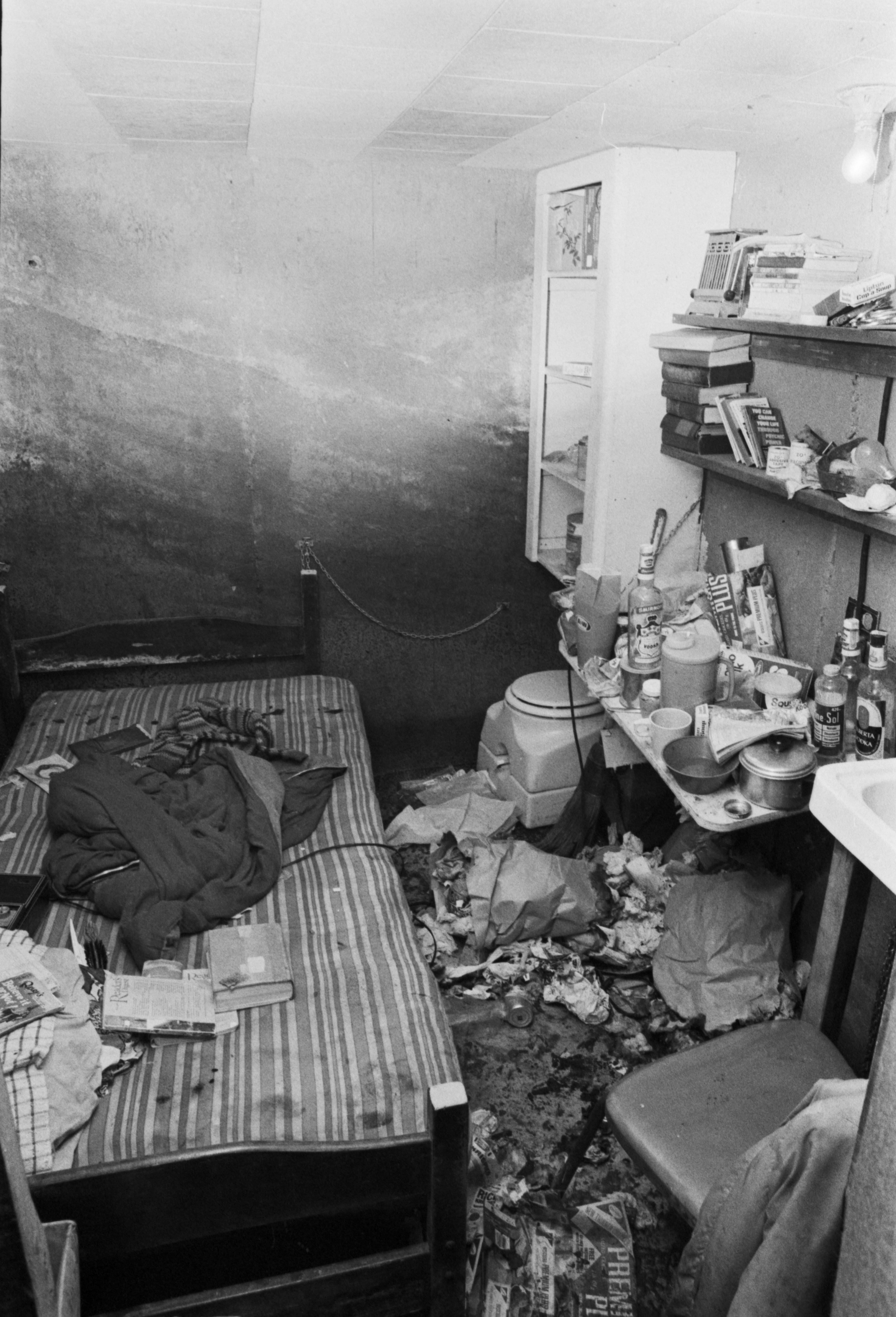 The underground bunker in Port Moody where twelve-year-old Abby Drover was held for 181 days after being abducted by her neighbour Donald Alexander Hay. September 7, 1976. Rob Straight/Vancouver Sun (76-2979)