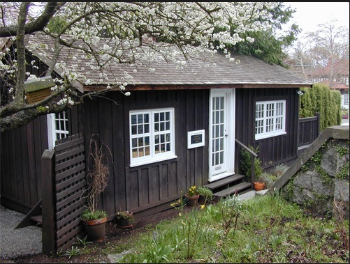 Emily Carr's Oak Bay cabin on Foul Bay Road. Eve Lazarus photo, 2012
